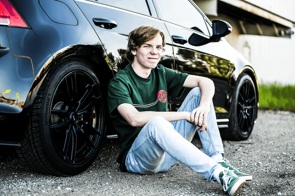 senior portraits with cars