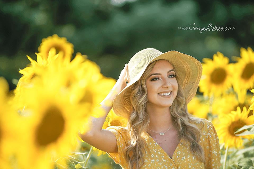 Senior Portraits In A Sunflower Field | East Central High School