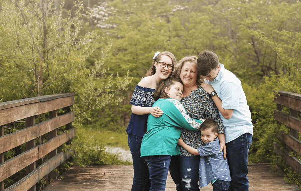 Loving Family Portraits | Best of Northern Kentucky Photographer