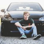 senior portraits with cars