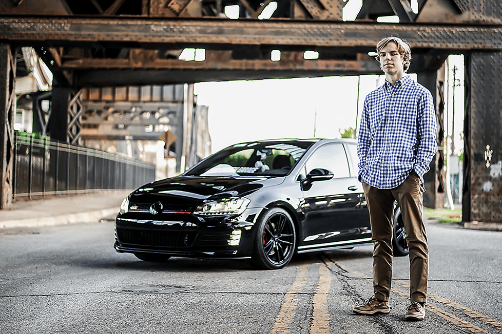 senior pictures with cars